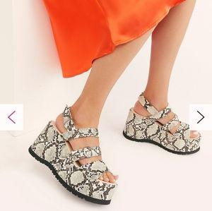 NWT Free People Chelsea Platform Sandals